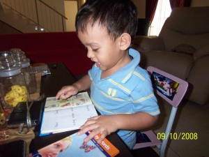 umar loves to read